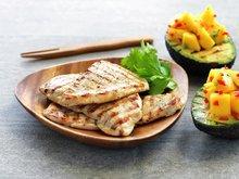 Skinkebiff med grillet avokado