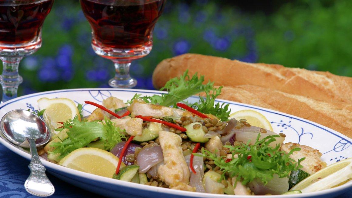 Limekylling med varm salat