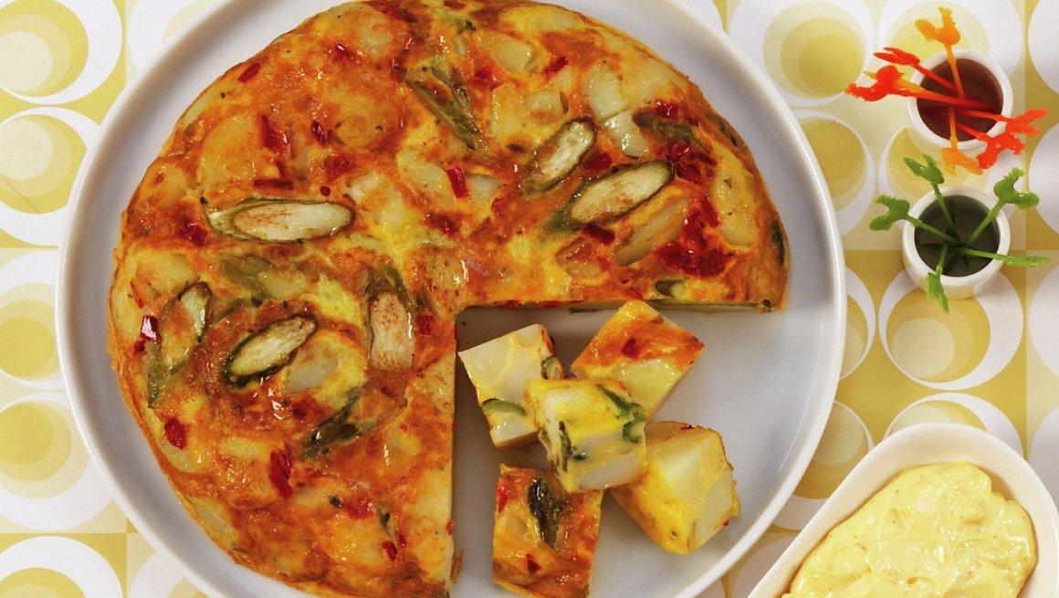 Frittata med asparges, potet og ost