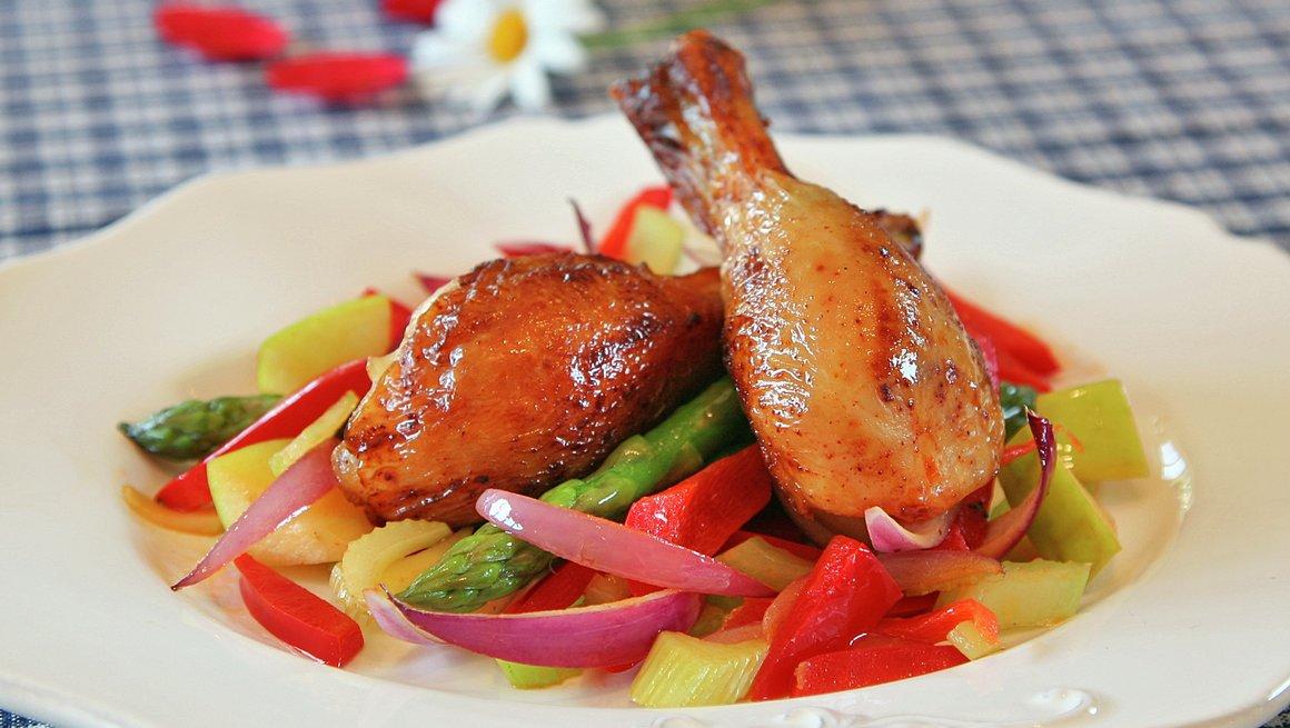 Grillet kylling med lun salat