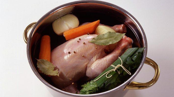 Frikassé med kylling eller høns, trinn 1.