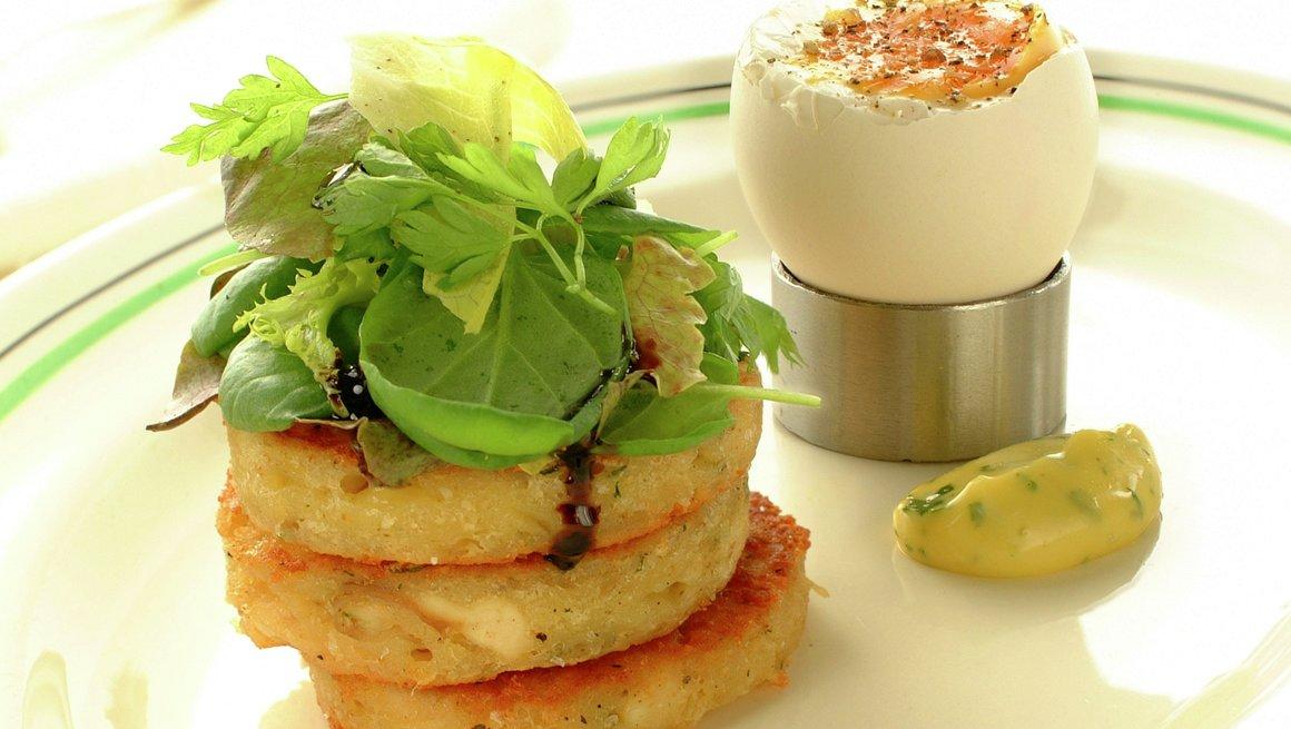 Farniette- kyllingtoast med egg og salat