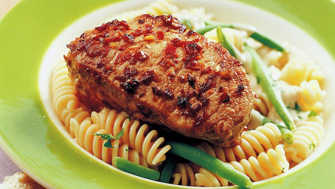 Skinkebiff med pasta