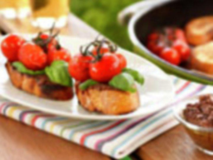 Brushetta med tomat og hvitløk