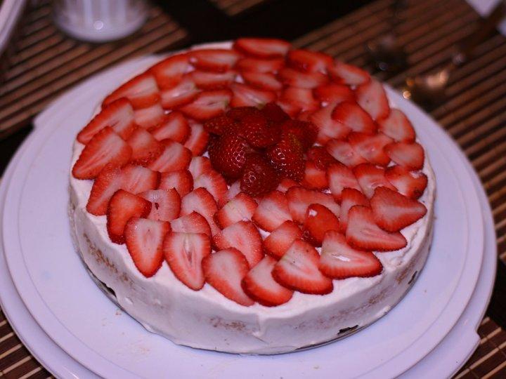 Kremkake med jordbær og lime