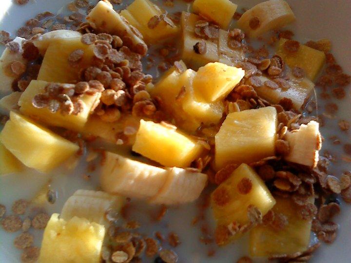 Musli m. banan og ananas