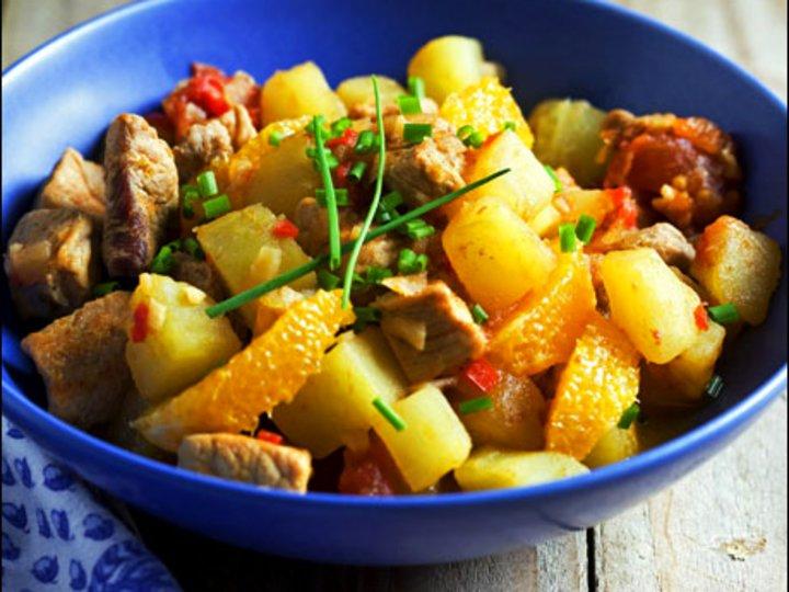 Svinekjøttgryte med potet og appelsin