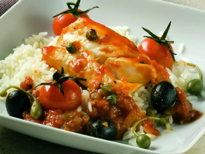Torsk med sterk tomatsaus