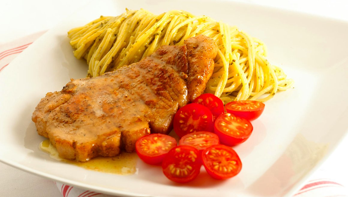 Koteletter-med-pestospagetti-4148-12
