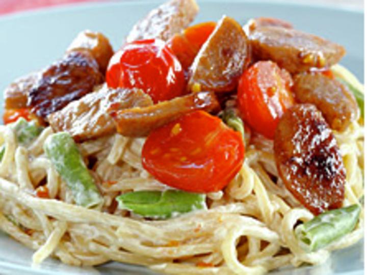 Kremet spagetti med medisterpølse