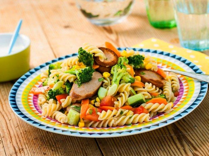 Pølse- og pastasalat