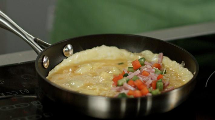 022 Slik lager du omelett.png