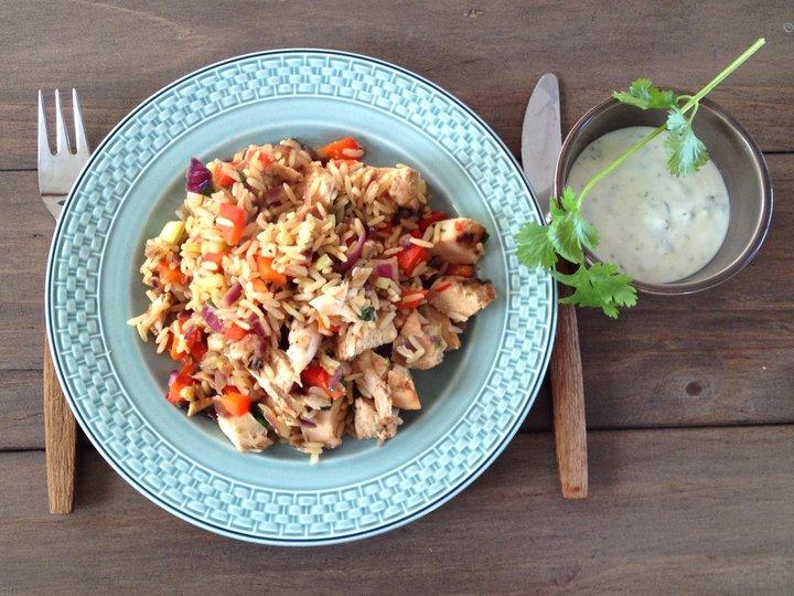 Stekt ris med kylling og korianderraita
