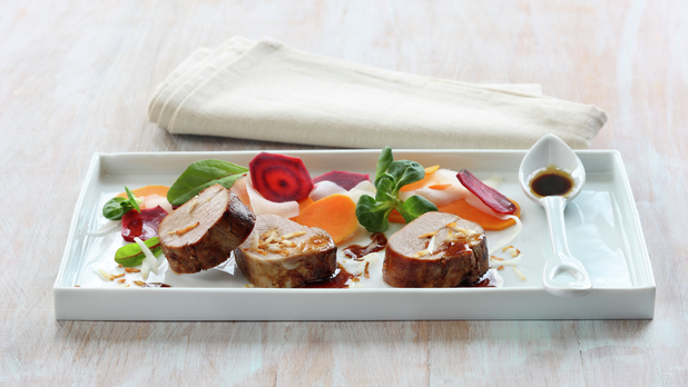 Soyamarinert svinefilet med syltede rotgrønnsaker