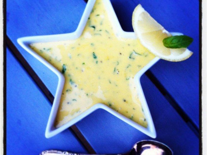 Hjemmelagd sitron- og basilikumaïoli...