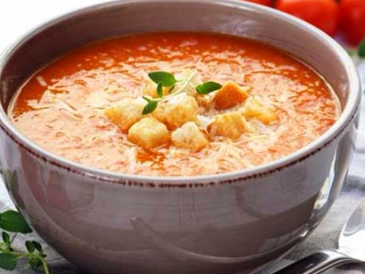 Hjemmelaget tomatsuppe m chilli