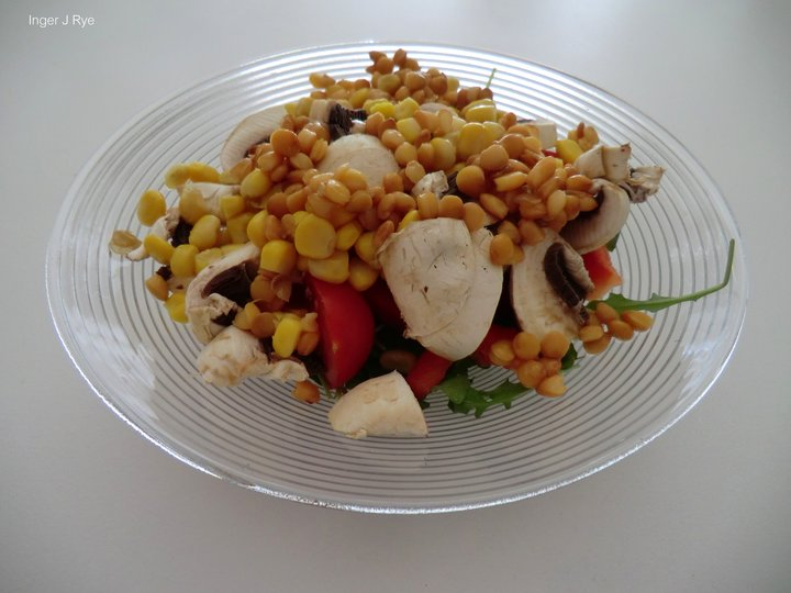Genial salat , med hvitvins-eddik