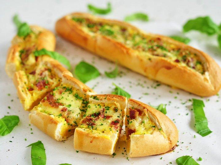 Eggebåter med ost og bacon