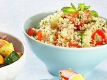 Lun squash- og paprikasalat og sprø couscoussalat