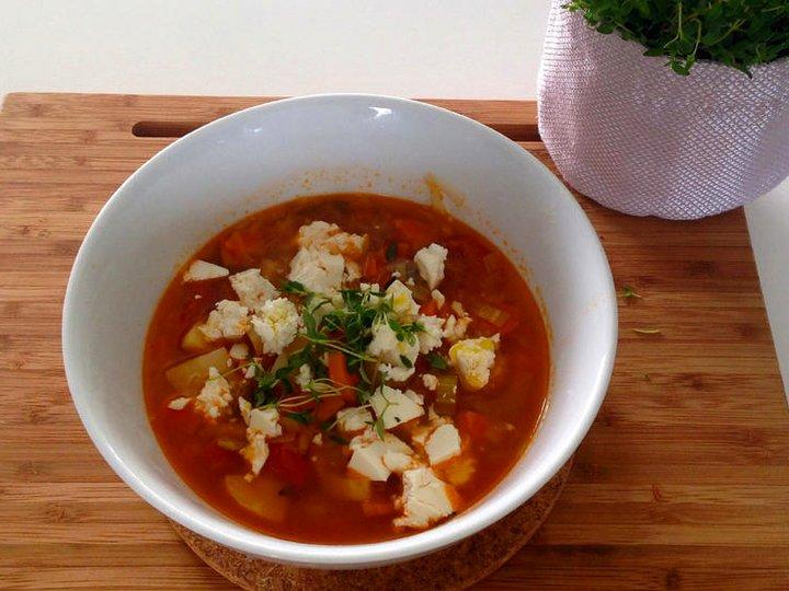 Sunn grønnsakssuppe med tomat