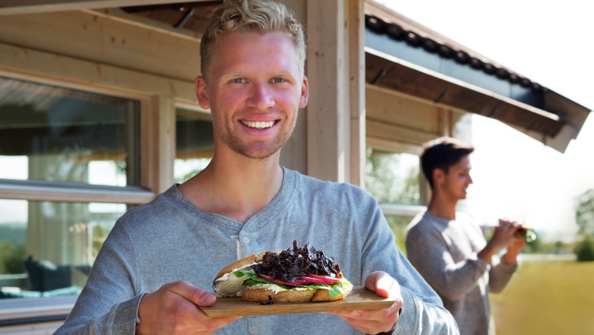 Stemingsbilder hytte - Sandwich med reinsdyrskav