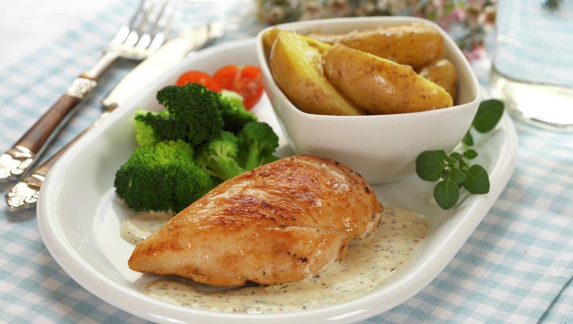 Kyllingfilet med sennep- og estragonsaus