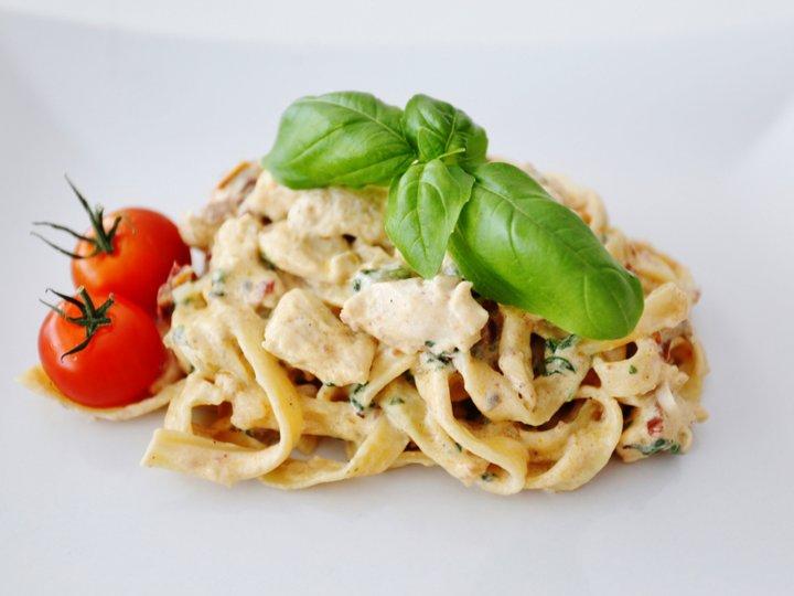 Kremet pasta med kylling