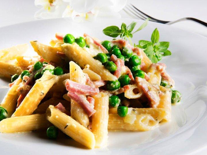 Pasta med skinke og fløtesaus