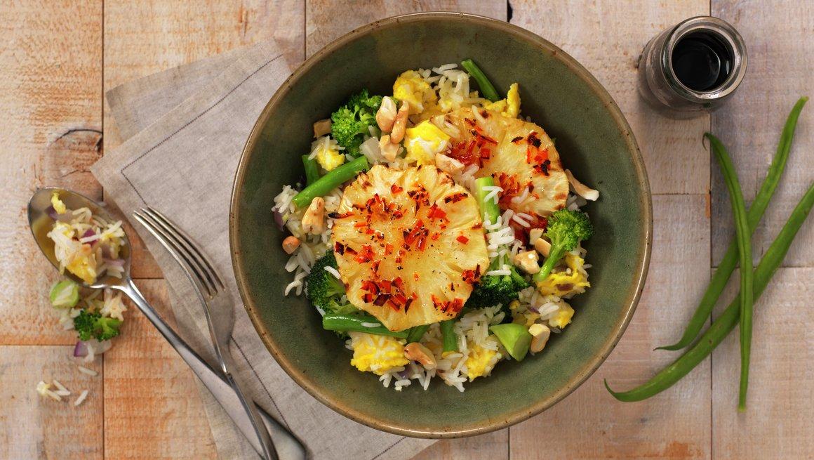 Stekt ris med ananas