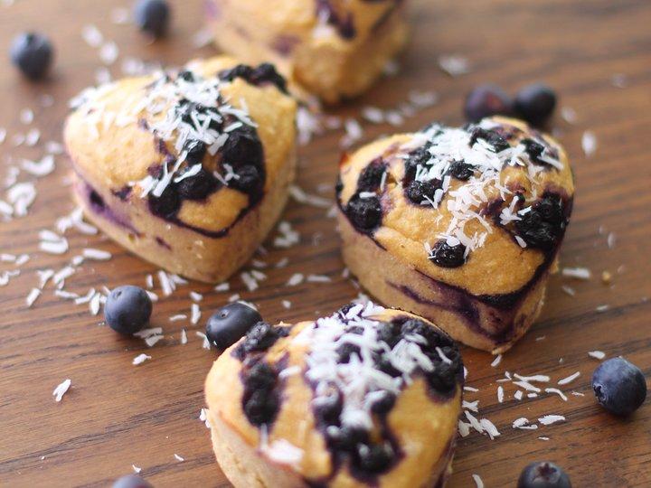 Sunne blåbær- og kokosmuffins