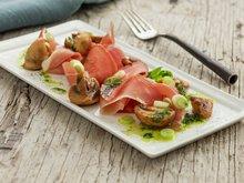 Spekeskinke med sopp og persilleolje
