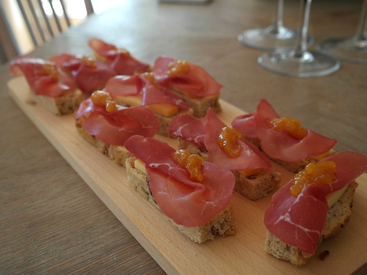 Bresaola- og ostepintcho