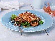 Stekt sei med sopp og løk