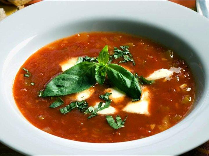 Tomatsuppe med mozarella