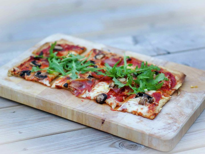 Snn pizza med havregryn i bunnen