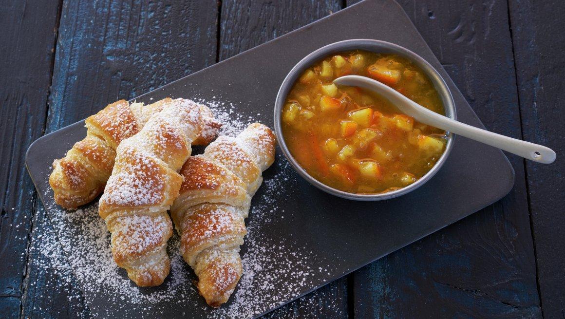 Croissanter (mini) med appelsinmarmelade