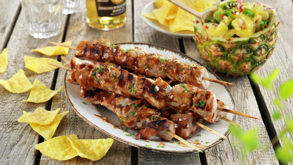 BBQ grillspyd med ananassalsa