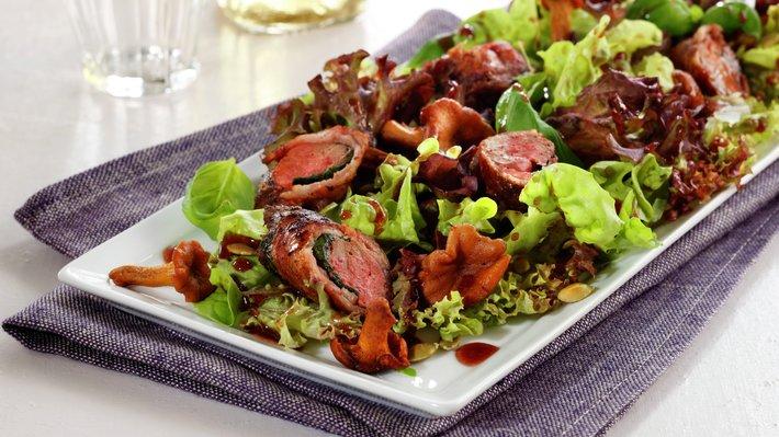 Salat med kyllinglever og kantareller