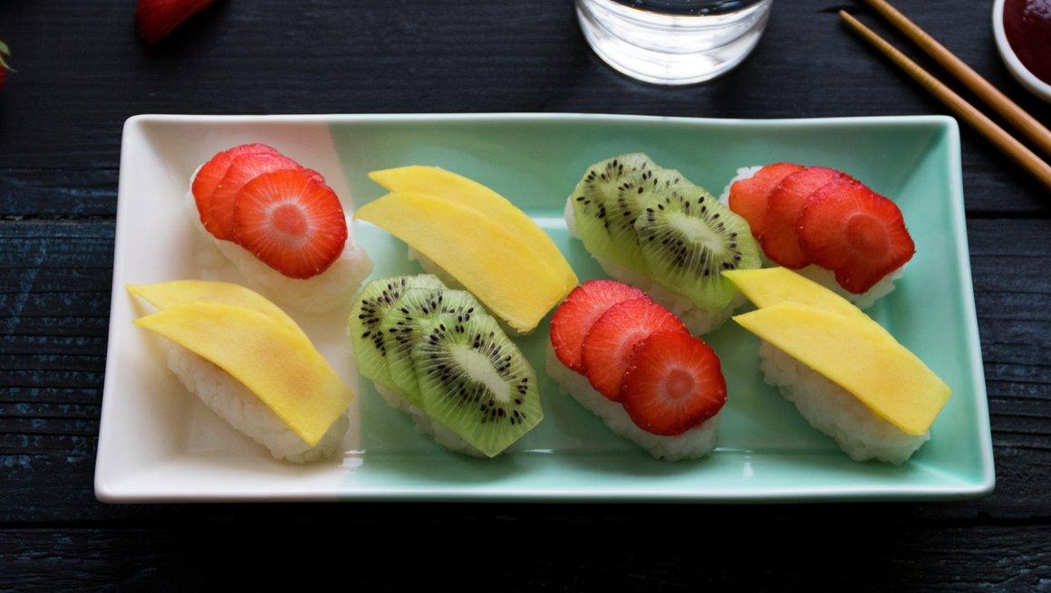 Sushi med frukt