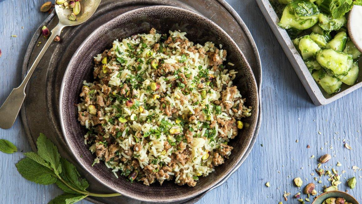 Libanesisk ris og lam med banket agurksalat