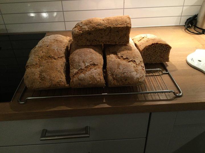 Brød med frø ,gryn og kli