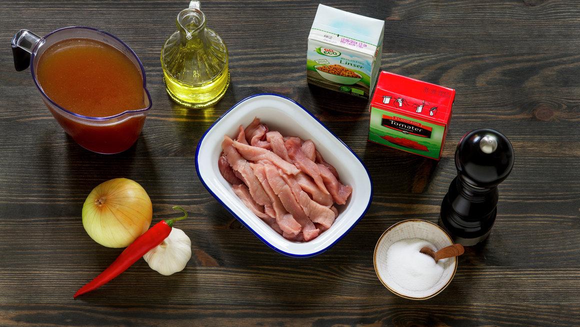 Hot linsesuppe med strimlet svinekjøtt 2