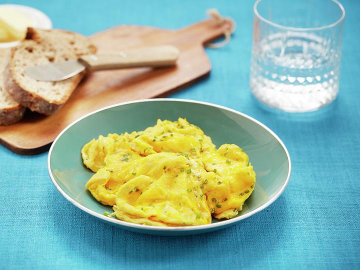 Eggerøre med gressløk