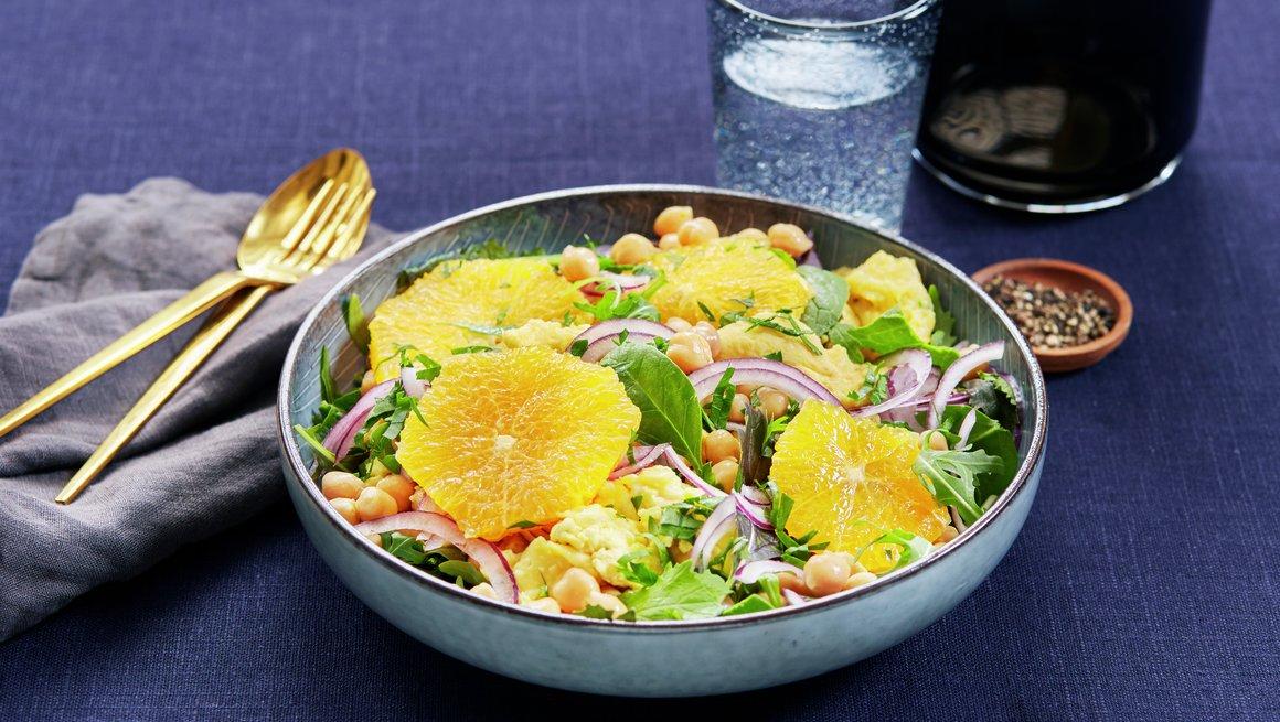 Kikertsalat med eggerøre