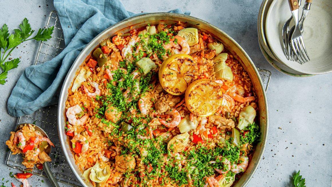 Paella med kylling og reker