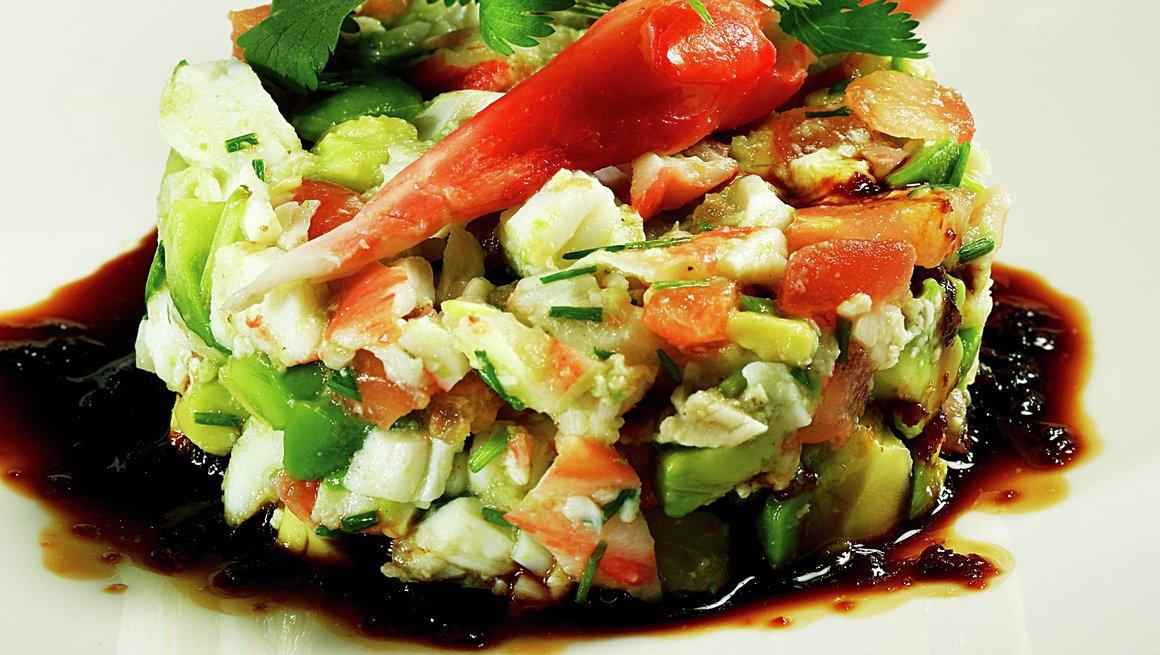 Tartar av avokado og kongekrabbe
