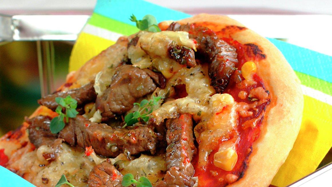 Minipizza med biffstrimler
