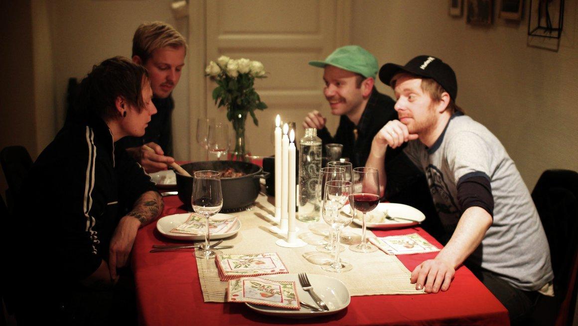 Kokekjøtt-kampanje 2011. I den sorte gryte. Foto: Kristin Flack
