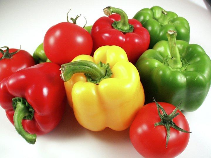 Fylt paprika med ris og grønnsaker