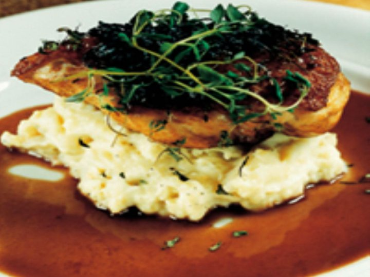 Kyllingbryst med potet- og selleripure og portvinsaus